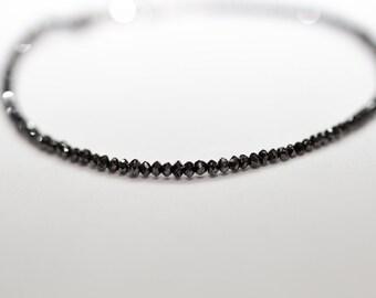White gold 18k and black diamonds 8.1 carat bracelet 17 cm long