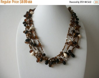 ON SALE Vintage 1950s Earthy Glass Beads Necklace 82616