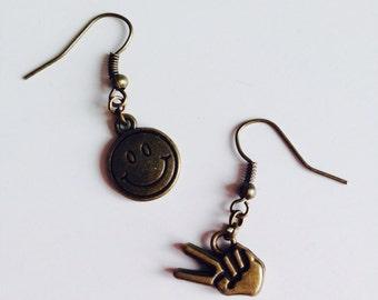 Sale | 90s | Retro | Cute | Smile | Peace | Emoji | Earrings