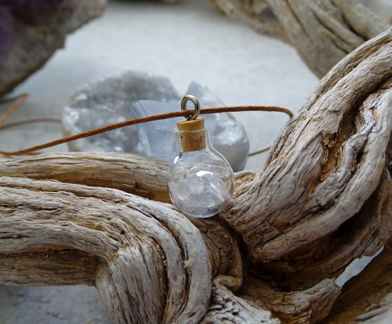 Angelic Celestite and Clear Quartz Mini Bottle Necklace/Pendant, Cleansing,Healing Stone,Gift Ideas,クリアクオーツ,セレスタイト,ヒーリングストーン,浄化,小瓶,ネックレス