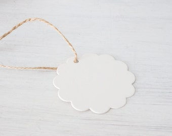 Flower Paper Tag with String - Gift Label - Name Tag - Wedding - Party Favor - Birthday - Baby Shower - Christmas decoration - 25Pcs