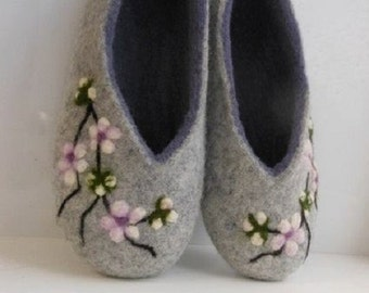 Felted slippers women Women home shoes Felted wool slippers Slippers Organic shoes