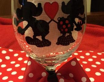 Mickey & Minnie Love Wine Glass