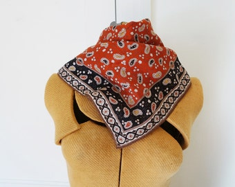70s paisley Sally Gee square scarf