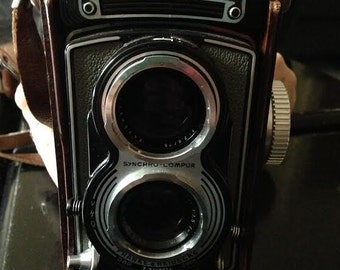 Rolleiflex vintage camera.. With many accessories.