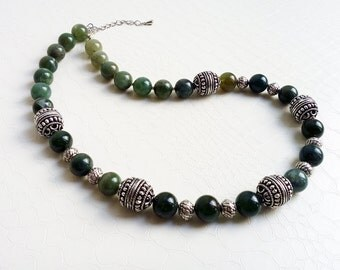 Necklace 'Isabelle' - Green jasper gemstones and silvertone beads - Boho chic, bohemian, statement necklace, gift for her - Handmade jewelry