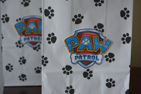 Paw Patrol goodie bag, paw patrol party bag, birthday goody bag, paw patrol shield, Set of 10