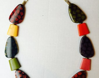 Coloured-stoned necklace