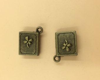 Good Luck Leaf Clover Charm Beads Pendants 17x14mm 10pcs T457