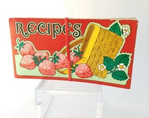 Recipe Folder, Vintage Recipe Holder with Funky Retro Pattern, Gift Woman Lady Her, Vintage Kitchen, Strawberry Basket, Retro Kitchen