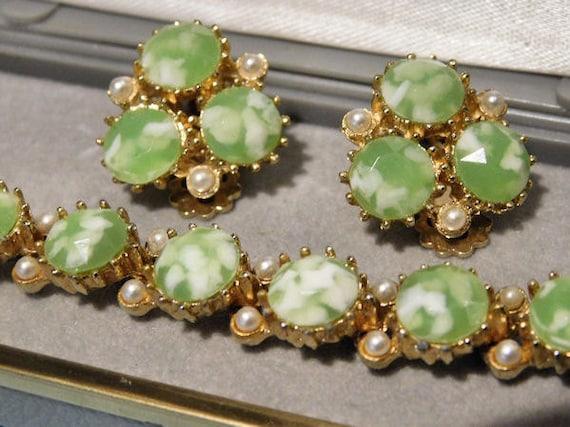 Rhinestone Bracelet / Clip on Earrings / Mid Century / Demi Parure Set