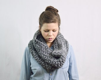 Chunky Scarf Infinity Cowl Shawl \ The Zivot \ in charcoal