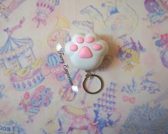 Kitty paw - keychain WHITE