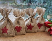 Small Rustic Hessian Burlap Wedding Baby Shower Christmas Party Gift Favour Bags Pouches With Small Red Hearts & Stars W9 x H15cm