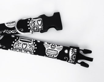 Glowing in the dark Calaveras dog collar - Mexican Skulls - dias de los muertos