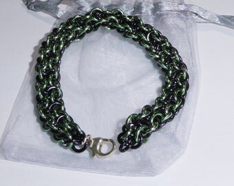 Viper Berus Black and Sea Foam Green Bracelet