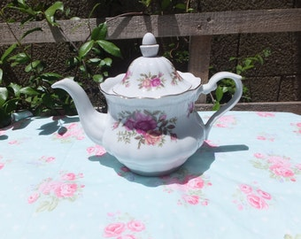 Crystal Clear Fine Porcelain Made in Poland Teapot