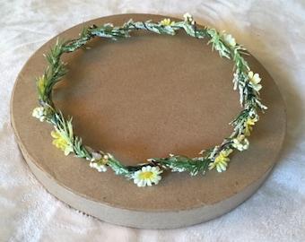 Dainty Daisy Flower Crown