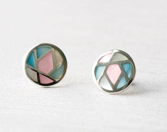 Round studs, mother of pearl stud earrings, 925 sterling silver post, earrings, dainty jewelry