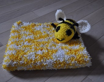baby blanket - white and yellow with cute bee grab plush :)