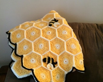 Honeycomb Bumble Bee Blanket