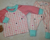 Sweet playful Baby girl outfit!! Adorable pink& Seafoam blue, polka dot baby girl clothing set! Leggings and tee, infant. *Ready to ship*
