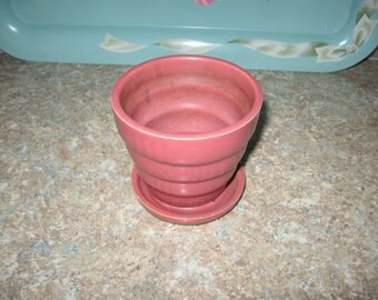 Adorable Mauve Ribbed Small Flower Pot