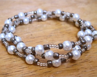 2 in 1 White pearls necklace/bracelet (Handmade)