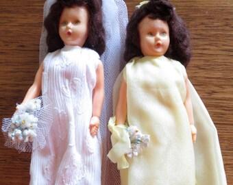 Vintage/Retro Bride and Bridesmaid dolls