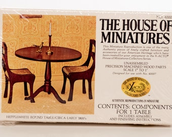 House of Miniatures Hepplewhite Round Table