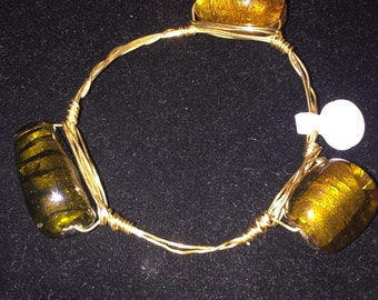 Gold wired bracelet