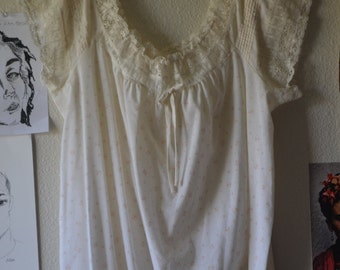 Beautiful Vintage Floral Nightgown