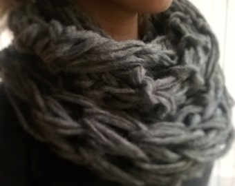 Wool collar made with arms