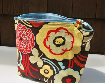 Retro orange and yellow flower zipper pouch
