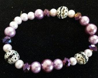Lavender & purple pearl and glass beaded bracelet