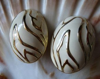 Clip earrings vintage jewelry vintage earrings of the 70s years of retro Grandma