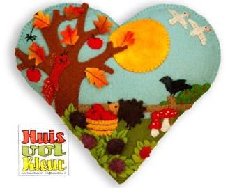 DIY heart of Autumn Around the Apple tree