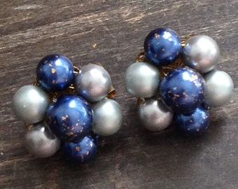 blue and grey vintage clip on earrings, 1950's clip on earrings, beaded earrings, vintage earrings