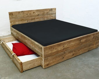 UpCycle design bed model: JUMBO from timber, solid wood, planks, building planks, Landhaus, shabby chic, DIY,.