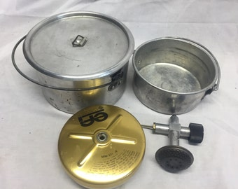 6 piece camping stove cooking set. stove and 2 pans w/ cover bulldog