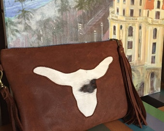 Buffalo head leather pouch in goat-hair