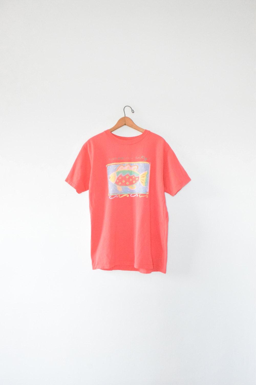 Painted fish tee size adult medium 90s t shirt for Adult medium t shirt