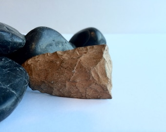Neolithic Spear Tip, stone, fossil.  animonited, collectable, cutting tool, stone age, primative, tribal, ethnographic