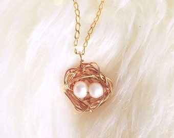 Eggs in nest necklace