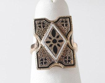 Vintage 14k Gold and Enamel Ring