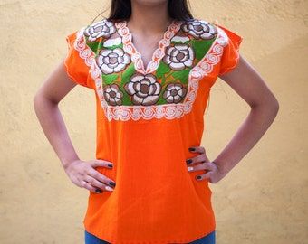 Mexican embroidered blouse small