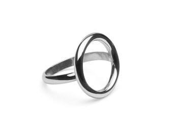 Silver ring circle