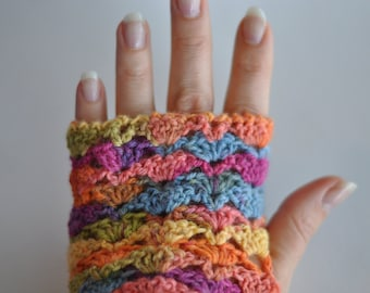 For women in multicolored lace fingerless gloves