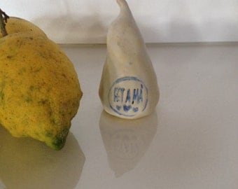 PEAR in stoneware/pear fruit