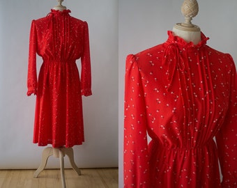 Vintage 70s Bohemian House of Nu-Mode Long Sleeve Red Floral Dress